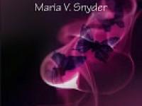 Le poison écarlate / Maria V. Snyder