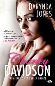 couverture de première tombe sur la droite de Darynda Jones aux éditions Milady