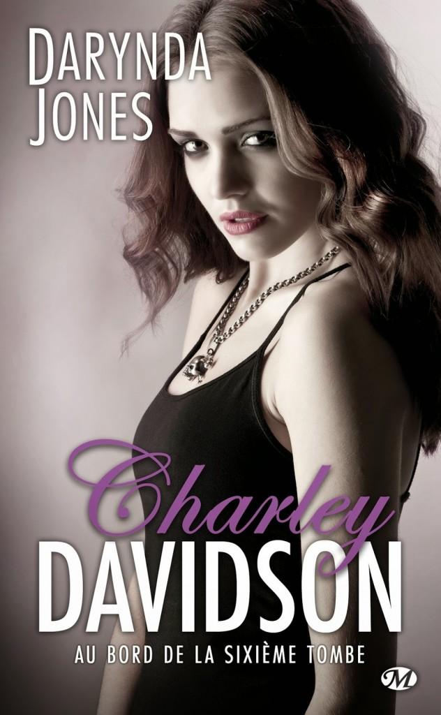 Couverture de Charley Davidson tome 6 Au bord de la sixième tombe de Darynda Jones aux Editions Milady