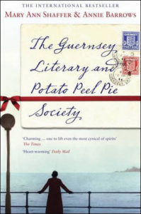 couverture du roman The Guernsey literary and potato peel pie society de Mary Ann Shaffer et Annie Barrows