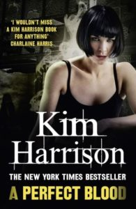 Couverture du tome 10 de Rachel Morgan, Perfect Blood, de Kim Harrison