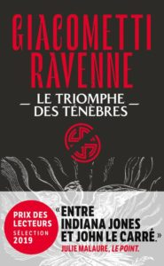 Couverture de Le triomphe des ténèbres, le tome 1 de Soleil noir, de Giacometti Ravenne